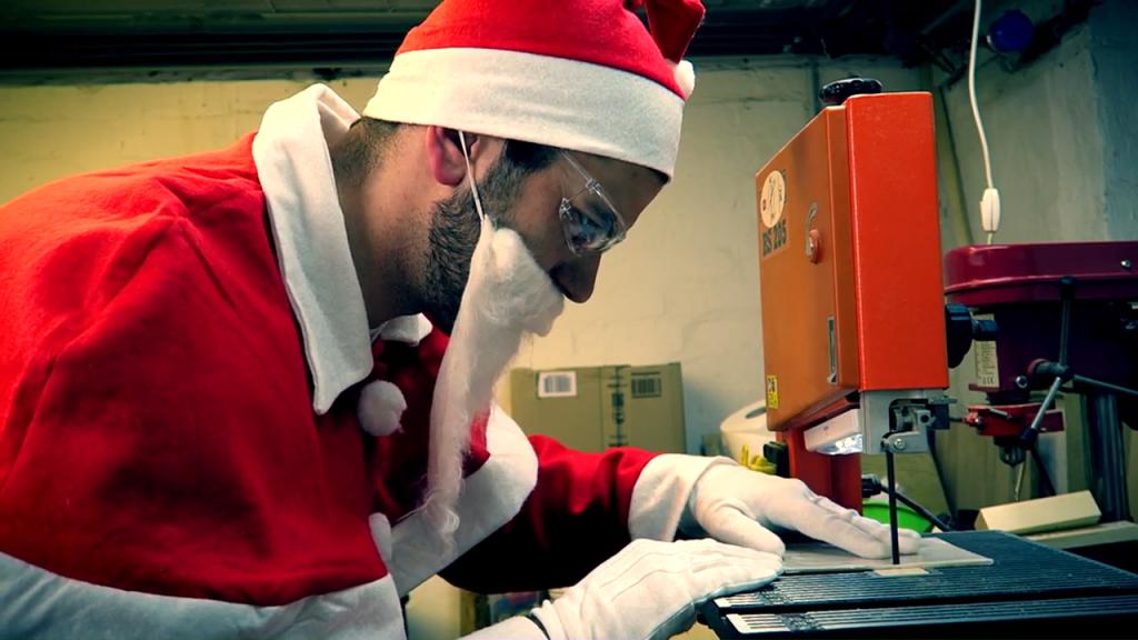 04b_Christmas_Card_Ruff_Cut
