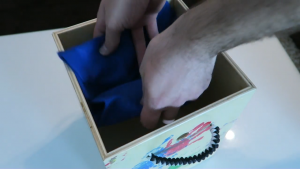 Bildschirmfoto von Mitered Box With Paracord Handles - YouTube.mp4 - 39