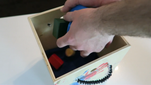 Bildschirmfoto von Mitered Box With Paracord Handles - YouTube.mp4 - 40